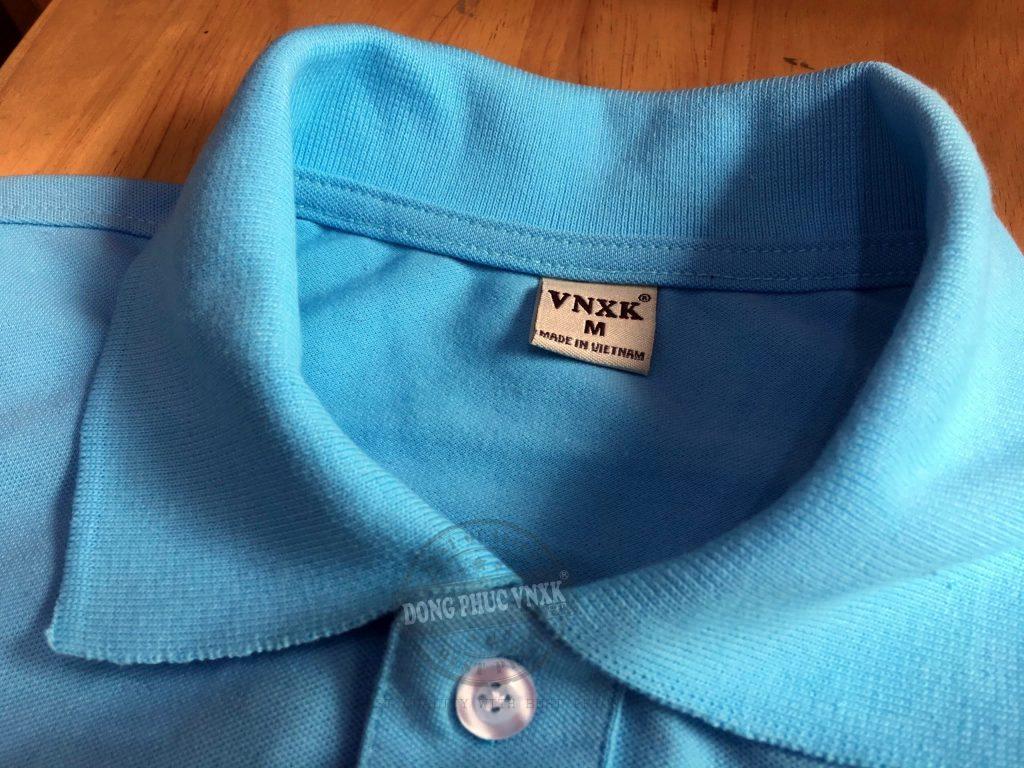 Chi tiết cổ áo thun đồng phục công ty Hoàng Quân