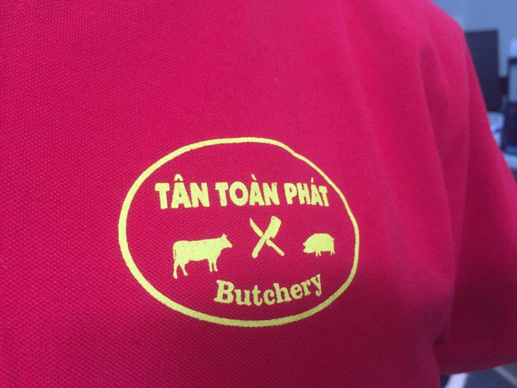 Logo ngực áo đồng phục cửa hàng Tân Toàn Phát